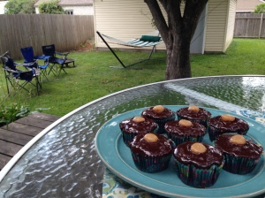 Perfect little cupcakes for a backyard barbecue.